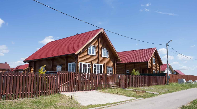 красивый деревянный дом, каменские холмы