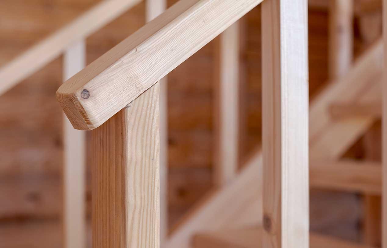 дом деревянный внутри, каменские холмы, лестница деревянная