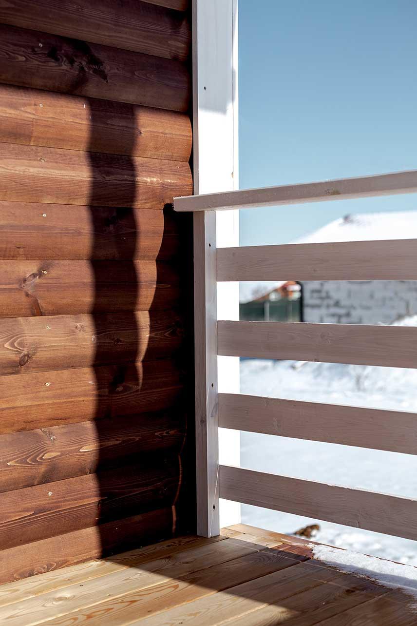 крыльцо деревянного дома, покрытия дерева, пропитка для дерева