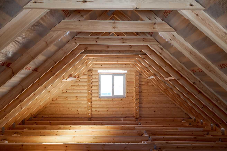 деревенский дом, чердак деревянного дома, каменские холмы